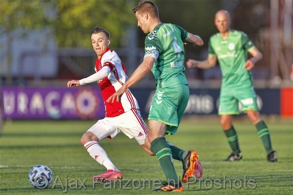 Jong Ajax speelt met 1-1 gelijk tegen De Graafschap