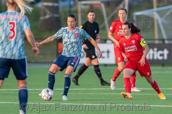 Ajax Vrouwen uitgeschakeld voor landstitel na verlies bij FC Twente