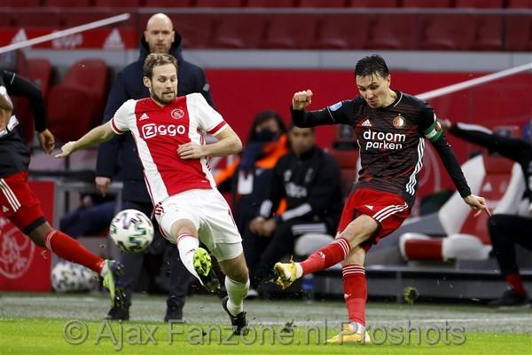 De Telegraaf: 'Ajax meldt zich voor Berghuis'