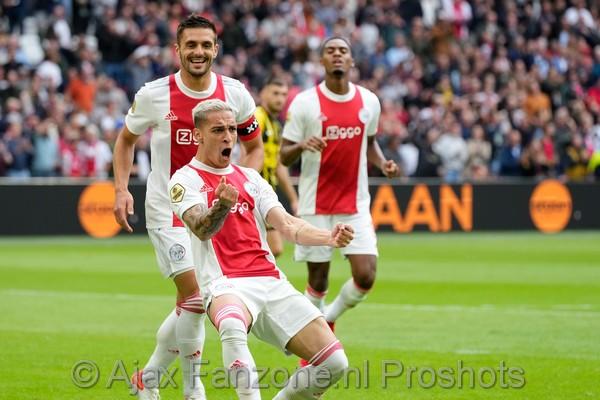 Swingend Ajax legt Vitesse over de knie: 5-0