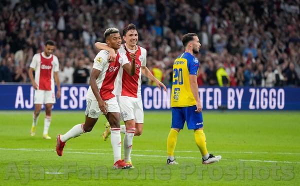 Ajax veegt Cambuur van de mat: 9-0