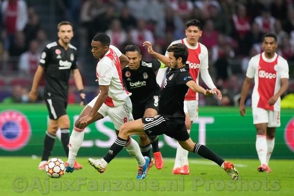 Ajax doet prima zaken in Champions League door 2-0 winst op Besiktas