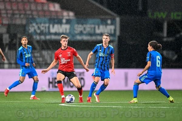 Jong Ajax onderuit bij Helmond Sport: 3-1