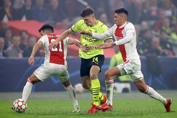 Ajax overklast Dortmund en wint met 4-0!